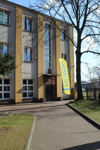 szkola_nudynek